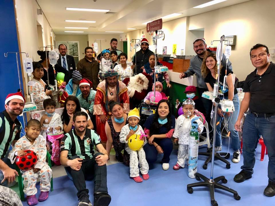 "Visita Navideña al Hospital Infantil de México, ""Federico Gómez"""